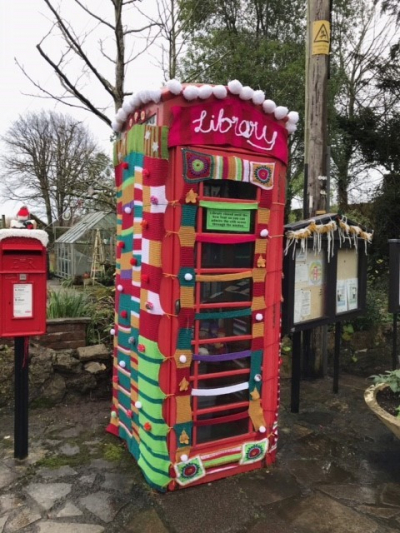 Great Hinton yarn bombers raise cash for Trowbridge museum